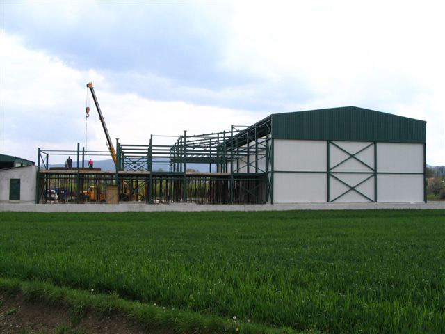 Steel construction of a cold storage structure
